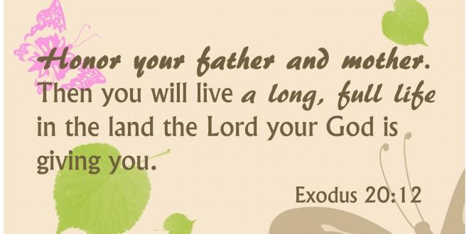 Tinjauan Reading of the Fifth Commandment  Contextually (Exodus 20:12)